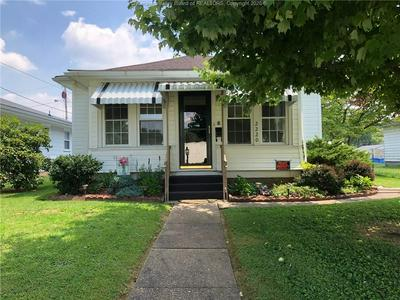 2220 LINCOLN AVE, Point Pleasant, WV 25550 - Photo 1