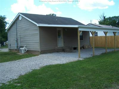 501 BURDETTE ST, Point Pleasant, WV 25550 - Photo 2