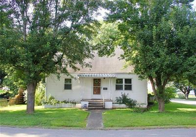 202 W VIRGINIA AVE, Dunbar, WV 25064 - Photo 1