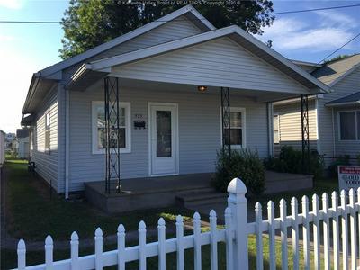 533 18TH ST, Dunbar, WV 25064 - Photo 1