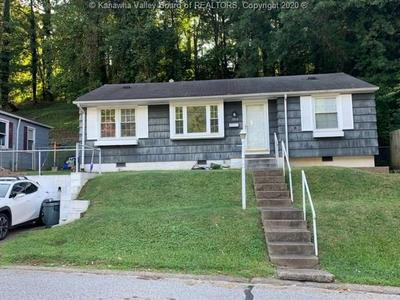 1013 RIDGE DR, South Charleston, WV 25309 - Photo 1