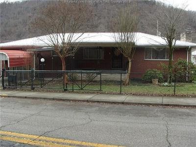 148 MICHIGAN AVE, Smithers, WV 25186 - Photo 2