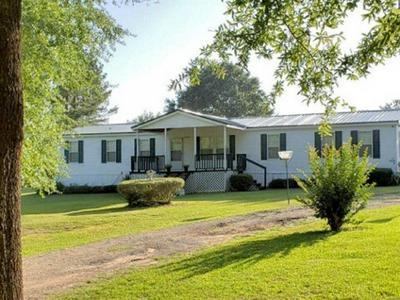 214 JACKSON LN, Selma, AL 36703 - Photo 1
