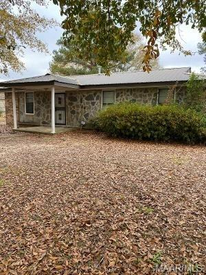 2405 CHARLES AVE, Tuskegee, AL 36083 - Photo 2