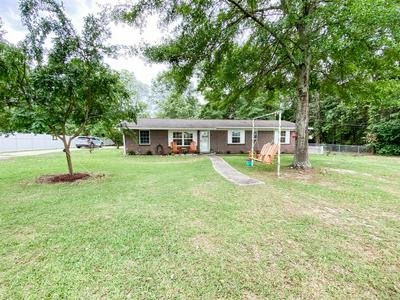 1203 W PINE AVE, Geneva, AL 36340 - Photo 1