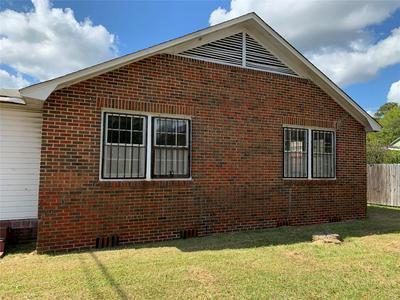 701 HIGHLAND AVE, Selma, AL 36701 - Photo 2