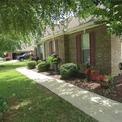 169 SUNNYBROOK DR, Deatsville, AL 36022 - Photo 2