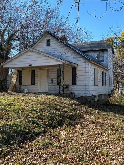 1828 N 19TH ST, Kansas City, KS 66104 - Photo 1