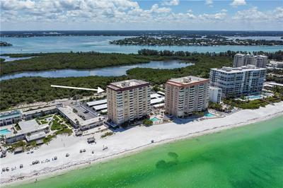 1700 BENJAMIN FRANKLIN DR APT 12E, Sarasota, FL 34236 - Photo 1