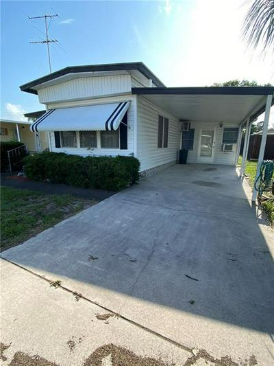 1915 SHADY COVE DR, Holiday, FL 34691 - Photo 2