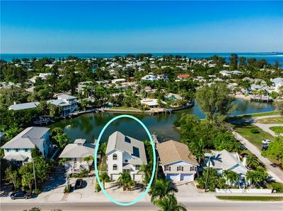 424 PINE AVE, ANNA MARIA, FL 34216 - Photo 2