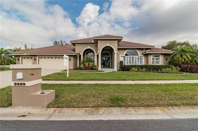 9909 CHRIS CRAFT CT, TAMPA, FL 33615 - Photo 1