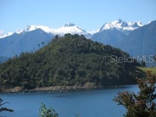 ISLA MUTRI, HUALAIHUE, CHILE, OC  - Photo 1
