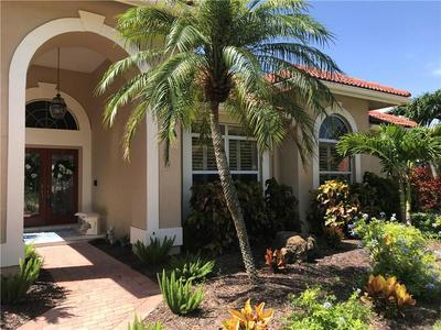 8359 CYPRESS HOLLOW DR, Sarasota, FL 34238 - Photo 2