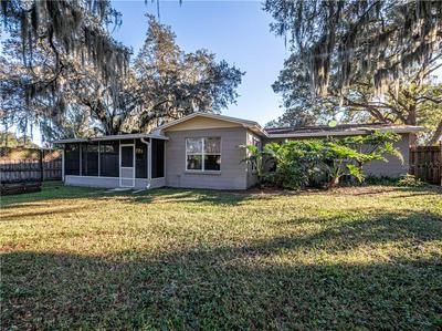 910 HELENA DR, BRANDON, FL 33511 - Photo 2
