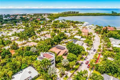 213 N WASHINGTON DR, Sarasota, FL 34236 - Photo 2