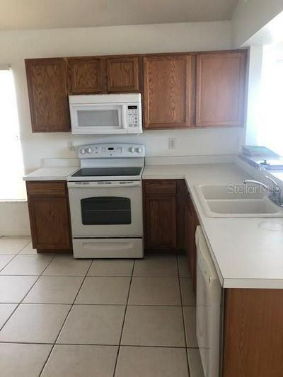 1607 CARSON WHITE LN, RUSKIN, FL 33570 - Photo 2
