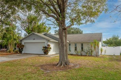 1857 SHARONDALE DR, CLEARWATER, FL 33755 - Photo 2