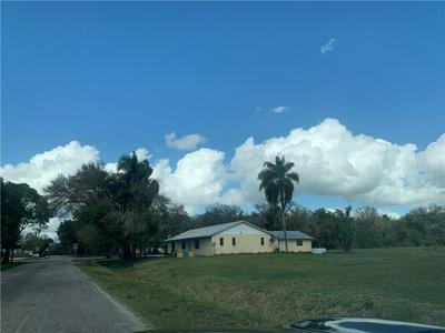 1204 E CHARLES ST, ARCADIA, FL 34266 - Photo 2