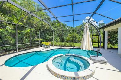7126 BEECHMONT TER, LAKEWOOD RANCH, FL 34202 - Photo 2