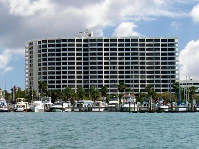1255 N GULFSTREAM AVE APT 302, Sarasota, FL 34236 - Photo 1