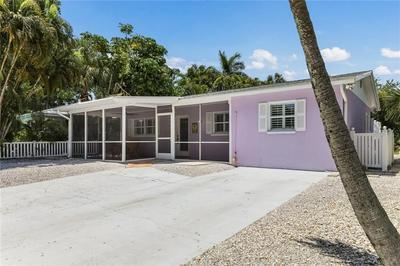 135 AVENIDA VENECCIA, Sarasota, FL 34242 - Photo 1