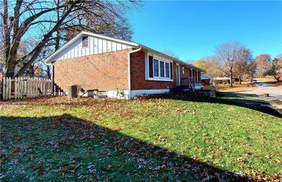 15205 E 40TH ST S, Independence, MO 64055 - Photo 2