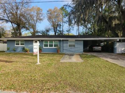 127 ARKWRIGHT DR, TAMPA, FL 33613 - Photo 1