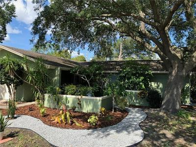 2843 MEADOW OAK DR E, Clearwater, FL 33761 - Photo 2