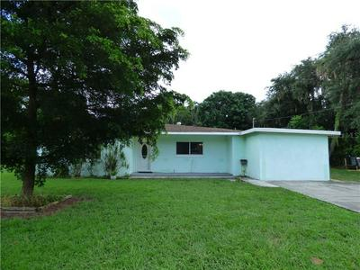 105 CRESCENT LAKE DR, NORTH FORT MYERS, FL 33917 - Photo 2