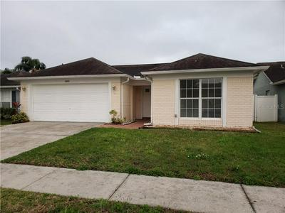 10033 CEDAR DUNE DR, TAMPA, FL 33624 - Photo 2