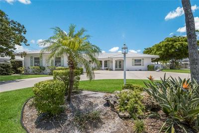 622 EMERALD LN, Holmes Beach, FL 34217 - Photo 2