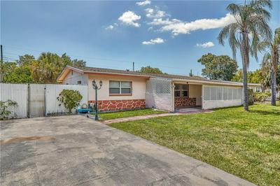 8570 QUAIL RD, Seminole, FL 33777 - Photo 1