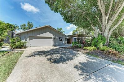5236 CANTERBURY DR, Sarasota, FL 34243 - Photo 2