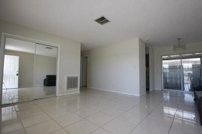 721 N JASMINE AVE APT A, Tarpon Springs, FL 34689 - Photo 2