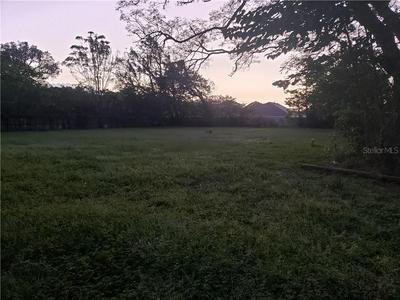 11404 MARSHALL RD, Thonotosassa, FL 33592 - Photo 2