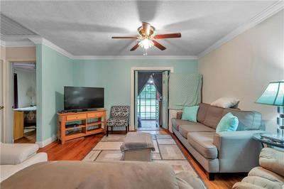 105 W WILDWOOD ST, TAMPA, FL 33613 - Photo 2