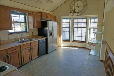 16608 E 27TH TER S, Independence, MO 64055 - Photo 2