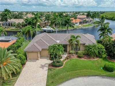 3830 AVES ISLAND CT, PUNTA GORDA, FL 33950 - Photo 2
