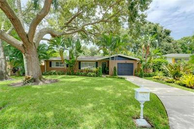 920 S HILLCREST AVE, CLEARWATER, FL 33756 - Photo 1