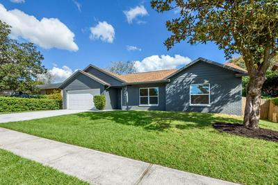 2811 MANOR HILL DR, BRANDON, FL 33511 - Photo 2
