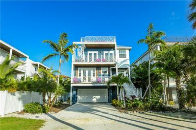 4105 4TH AVE, HOLMES BEACH, FL 34217 - Photo 2