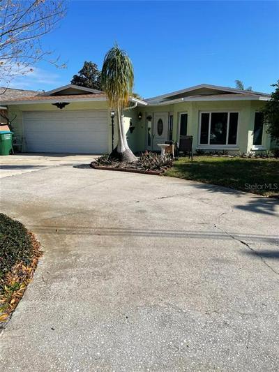 1081 HONEYSUCKLE LN, LARGO, FL 33770 - Photo 2