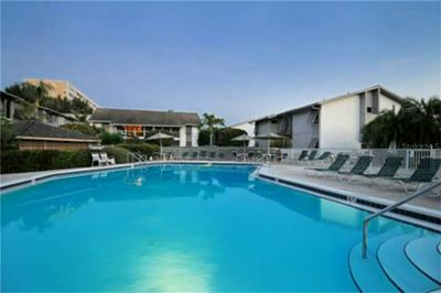 1013 W PEPPERTREE DR # 115, Siesta Key, FL 34242 - Photo 2