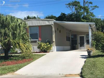8131 SE HOMESTEAD AVE, Hobe Sound, FL 33455 - Photo 2