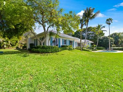2 ISLE RDG W, Hobe Sound, FL 33455 - Photo 2