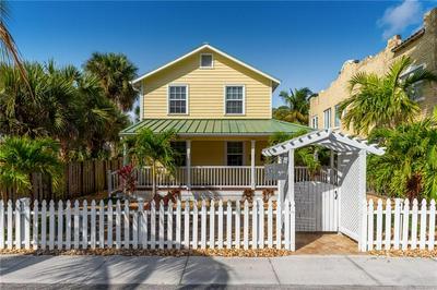 404 SW CAMDEN AVE, STUART, FL 34994 - Photo 1
