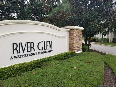 555 SW GLEN CREST WAY, Stuart, FL 34997 - Photo 1