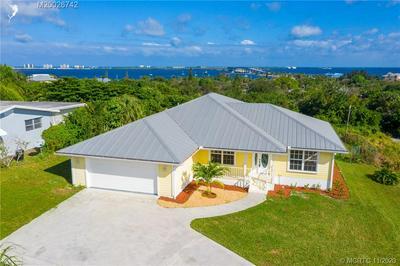 3869 NE SKYLINE DR, Jensen Beach, FL 34957 - Photo 2