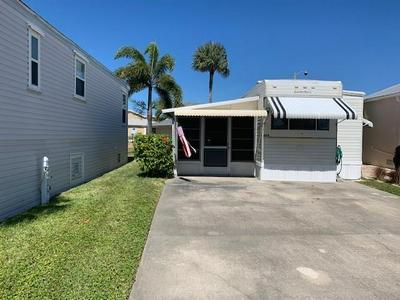 688 NETTLES BLVD, JENSEN BEACH, FL 34957 - Photo 2